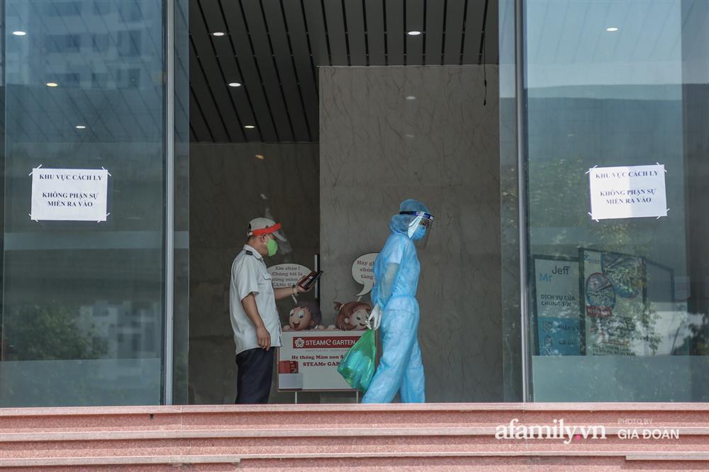 Hà Nội phong tỏa chung cư Hồ Gươm Plaza và tòa CT7 Booyoung nơi có ca nghi mắc COVID-19 liên quan vợ chồng giám đốc ở Thanh Xuân-4