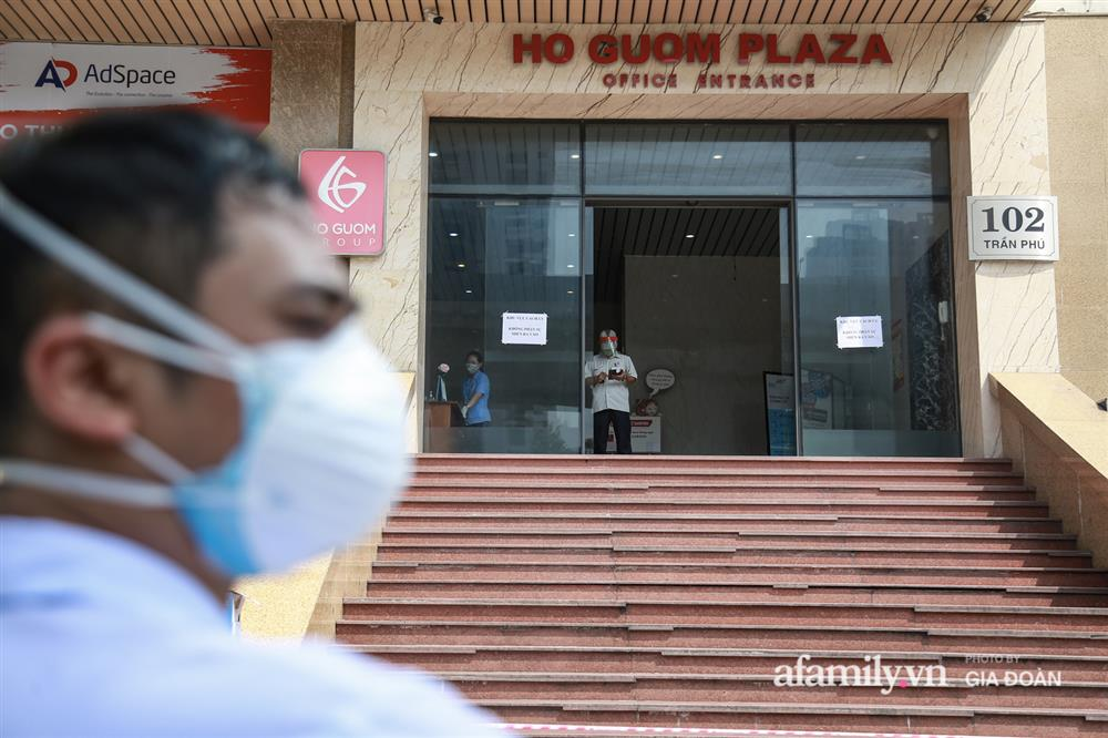 Hà Nội phong tỏa chung cư Hồ Gươm Plaza và tòa CT7 Booyoung nơi có ca nghi mắc COVID-19 liên quan vợ chồng giám đốc ở Thanh Xuân-5