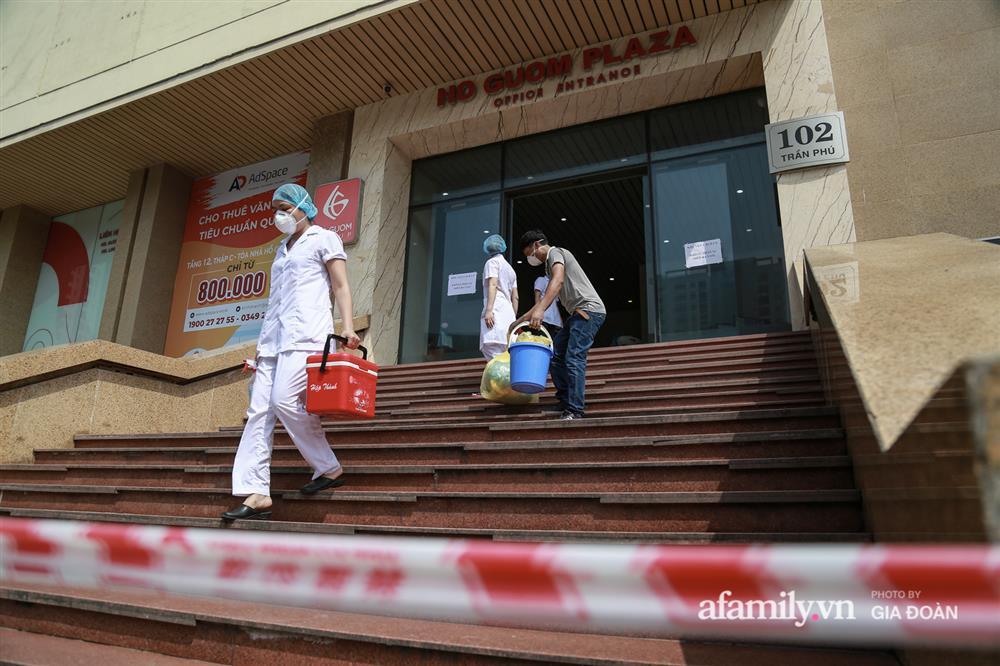 Hà Nội phong tỏa chung cư Hồ Gươm Plaza và tòa CT7 Booyoung nơi có ca nghi mắc COVID-19 liên quan vợ chồng giám đốc ở Thanh Xuân-6