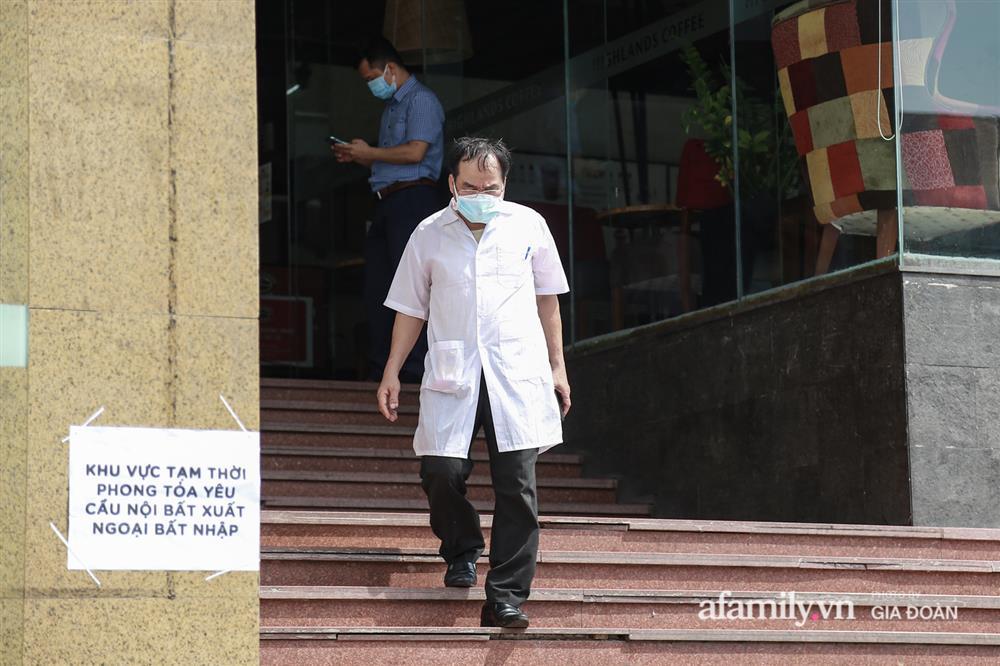Hà Nội phong tỏa chung cư Hồ Gươm Plaza và tòa CT7 Booyoung nơi có ca nghi mắc COVID-19 liên quan vợ chồng giám đốc ở Thanh Xuân-7