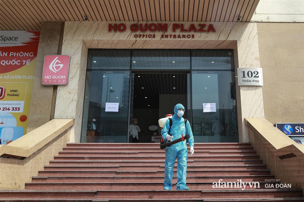 Hà Nội phong tỏa chung cư Hồ Gươm Plaza và tòa CT7 Booyoung nơi có ca nghi mắc COVID-19 liên quan vợ chồng giám đốc ở Thanh Xuân-8