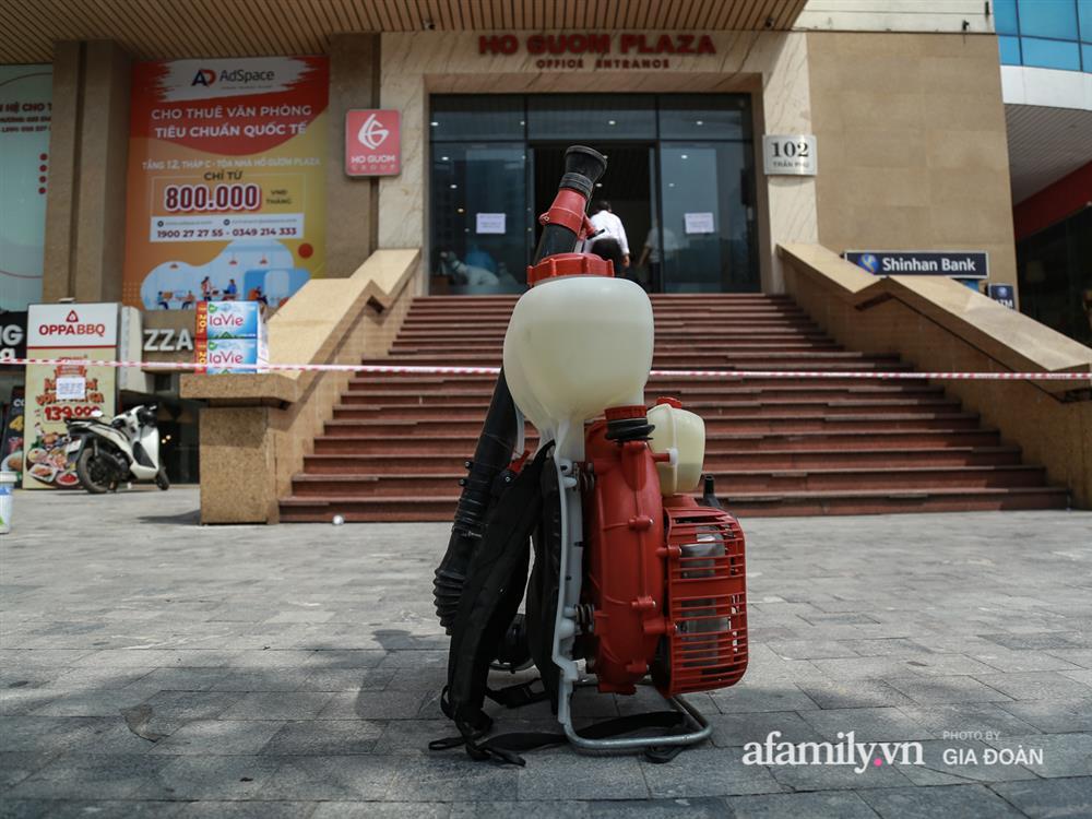 Hà Nội phong tỏa chung cư Hồ Gươm Plaza và tòa CT7 Booyoung nơi có ca nghi mắc COVID-19 liên quan vợ chồng giám đốc ở Thanh Xuân-12