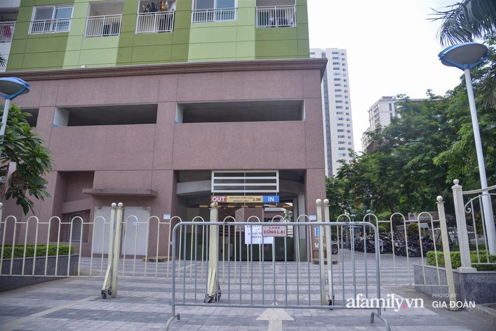 Hà Nội phong tỏa chung cư Hồ Gươm Plaza và tòa CT7 Booyoung nơi có ca nghi mắc COVID-19 liên quan vợ chồng giám đốc ở Thanh Xuân-14