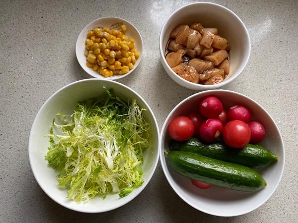 Nắng nóng gay gắt, mỗi ngày tôi đều làm món salad này mang đi làm, ăn vừa ngon mát lại giúp giảm cân hiệu quả-1