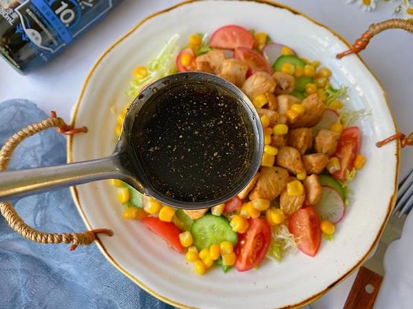 Nắng nóng gay gắt, mỗi ngày tôi đều làm món salad này mang đi làm, ăn vừa ngon mát lại giúp giảm cân hiệu quả-6