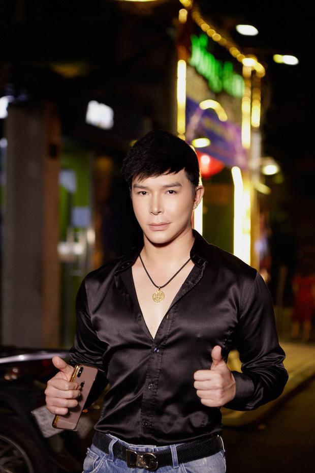 Hồ Quỳnh Hương ủng hộ Nathan Lee ca hát, nam ca sĩ đáp lại còn tranh thủ đá xéo ai đó thiểu não-3
