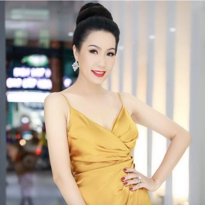 6 nghệ sĩ bị bà Phương Hằng livestream khiêu chiến, chỉ trích nặng nề, lôi cả chuyện đời tư-6