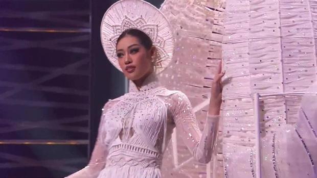 Trình diễn đỉnh cao, Khánh Vân lọt top 6 trang phục dân tộc yêu thích của Miss Universe 2018 Catriona Gray-2