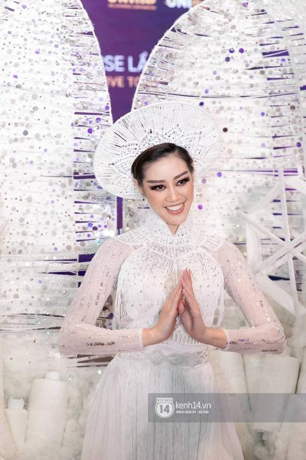 Trình diễn đỉnh cao, Khánh Vân lọt top 6 trang phục dân tộc yêu thích của Miss Universe 2018 Catriona Gray-5