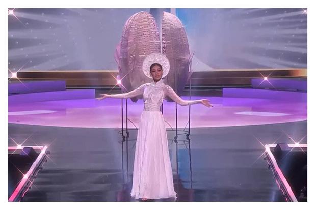 Trình diễn đỉnh cao, Khánh Vân lọt top 6 trang phục dân tộc yêu thích của Miss Universe 2018 Catriona Gray-1
