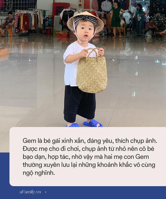 Bộ ảnh chị Bảy đi chợ của bé gái 1 tuổi khiến dân tình cười mệt, mặt biểu cảm mặn như bể muối trông cưng gì đâu-7