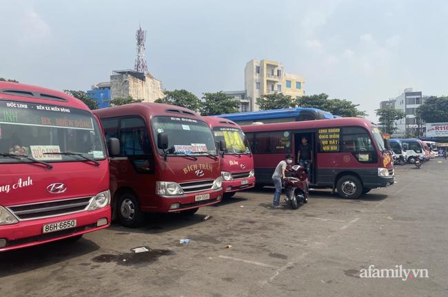 KHẨN: TP.HCM yêu cầu xe khách, taxi không dừng và đón trả khách tại vùng có dịch từ 0h ngày 15/5-1