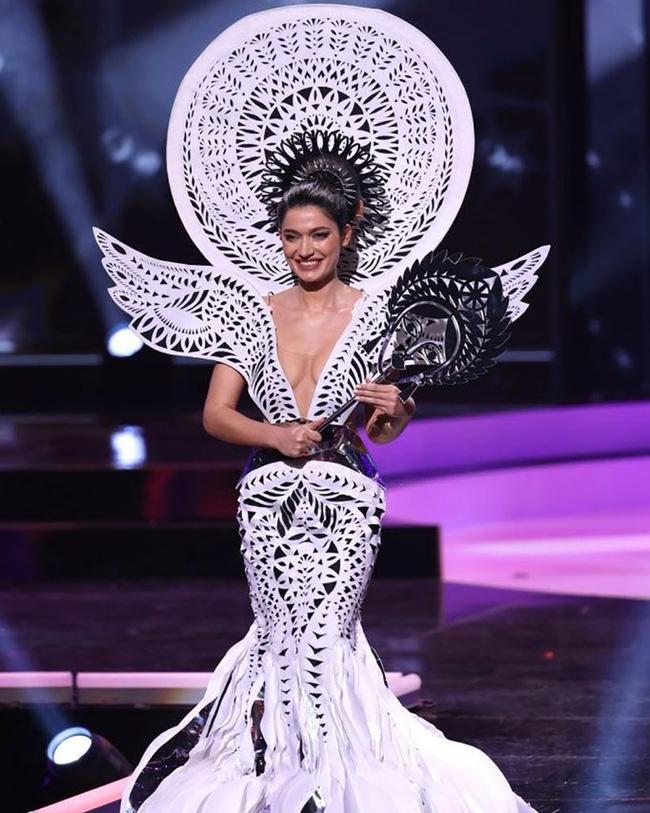 Chuyên trang sắc đẹp công bố 10 trang phục dân tộc đẹp nhất Hoa hậu Hoàn Vũ 2020-4