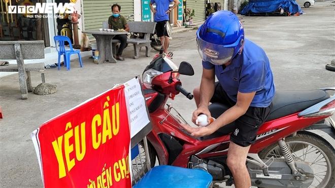 Ổ dịch lớn nhất Bắc Ninh vắng lặng chưa từng thấy trong cao điểm chống COVID-19-8