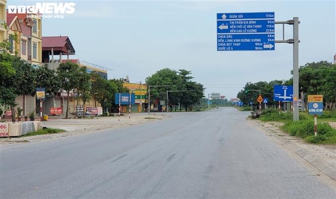 Ổ dịch lớn nhất Bắc Ninh vắng lặng chưa từng thấy trong cao điểm chống COVID-19-1