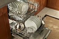 Các dụng cụ nấu nướng nghiêm cấm không được cho vào máy rửa bát nếu không muốn tốn tiền mua mới