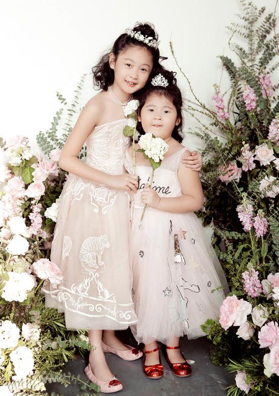 Hoa hậu Hương Giang nuôi con theo đúng kiểu mẹ bỉm hiện đại: Con gái lớn chân dài miên man, gái nhỏ bụ bẫm đáng yêu-3