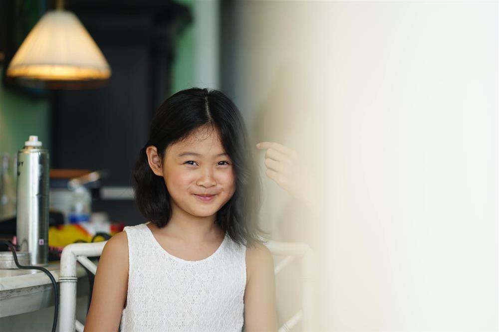 Hoa hậu Hương Giang nuôi con theo đúng kiểu mẹ bỉm hiện đại: Con gái lớn chân dài miên man, gái nhỏ bụ bẫm đáng yêu-13