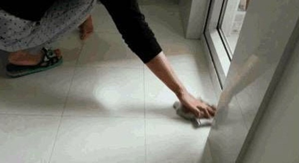 Mẹo giúp bạn không cần phải lau sàn trong một tuần mà nhà vẫn sạch bong kin kít-1