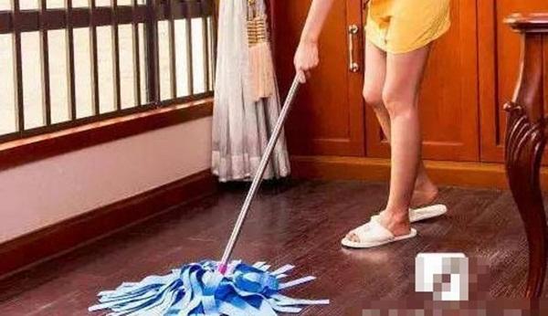Mẹo giúp bạn không cần phải lau sàn trong một tuần mà nhà vẫn sạch bong kin kít-3