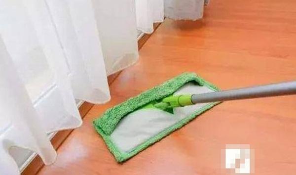 Mẹo giúp bạn không cần phải lau sàn trong một tuần mà nhà vẫn sạch bong kin kít-6