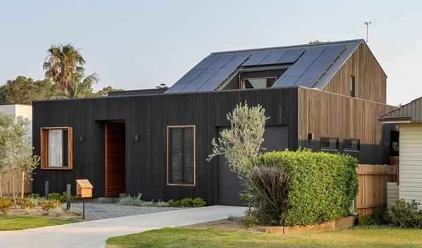 Thiết kế giếng trời cho biệt thự 74m2, kiến trúc hiện đại tự nhiên đến mọi ngóc ngách-2