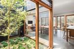 Thiết kế giếng trời cho biệt thự 74m2, kiến trúc hiện đại tự nhiên đến mọi ngóc ngách
