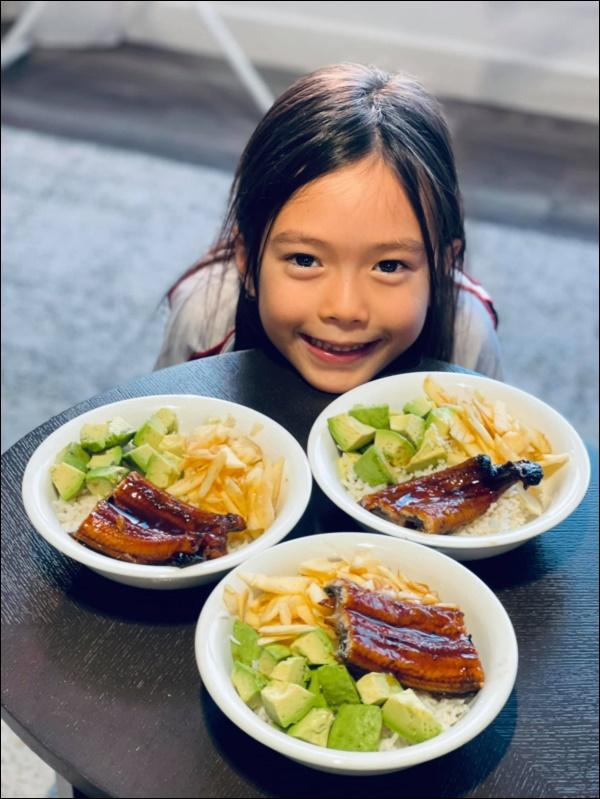Đoan Trang rất hiếm khi vào bếp, sang Singapore định cư cùng chồng lại đảm đang bất ngờ, chăm chỉ nấu ănra dáng bà nội trợ-6