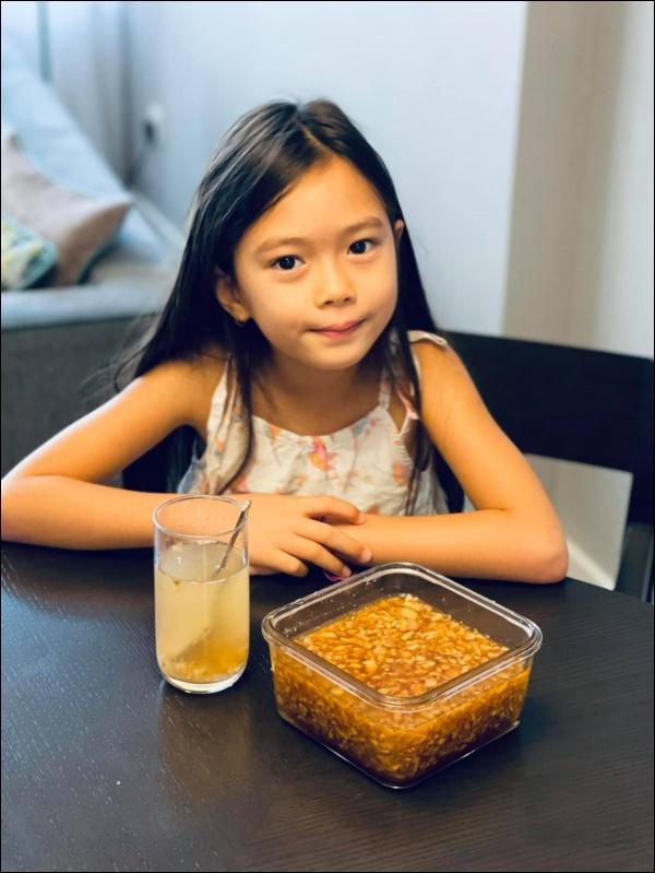 Đoan Trang rất hiếm khi vào bếp, sang Singapore định cư cùng chồng lại đảm đang bất ngờ, chăm chỉ nấu ănra dáng bà nội trợ-9