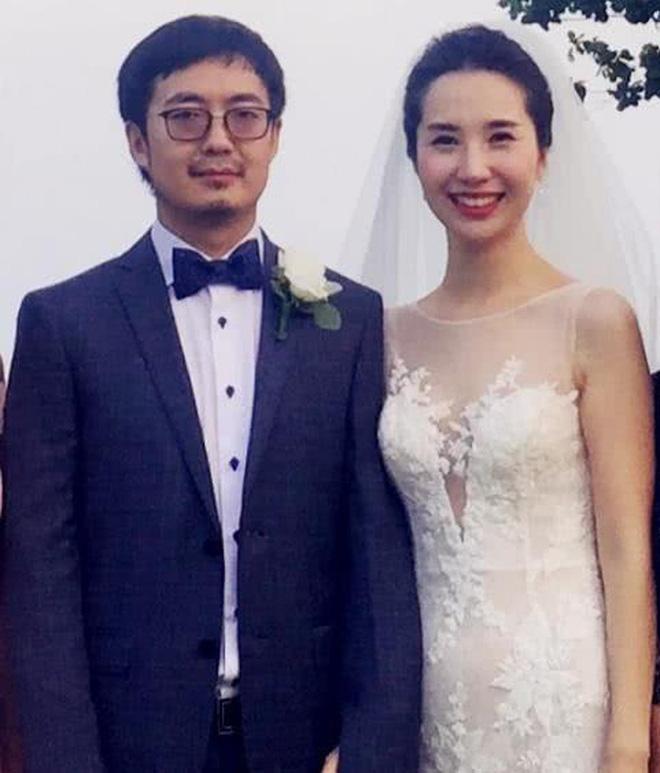 Nhan sắc vợ chủ tịch Taobao trong ống kính người qua đường có còn chuẩn khí chất phu nhân tổng tài?-1