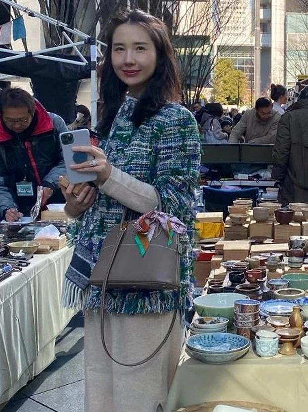 Nhan sắc vợ chủ tịch Taobao trong ống kính người qua đường có còn chuẩn khí chất phu nhân tổng tài?-3
