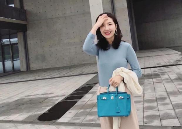 Nhan sắc vợ chủ tịch Taobao trong ống kính người qua đường có còn chuẩn khí chất phu nhân tổng tài?-6