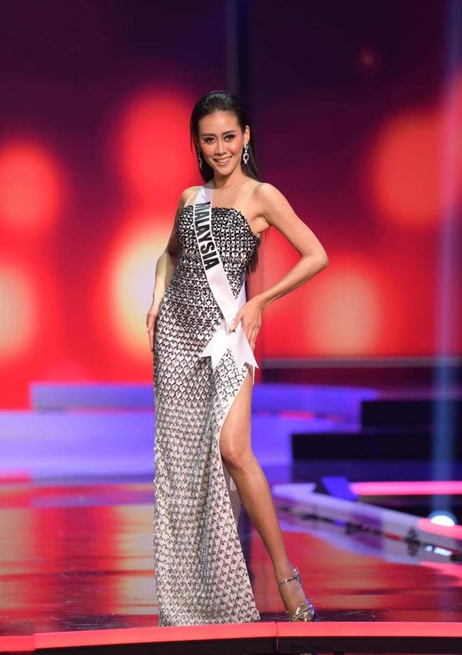 Ngoài Hừng Đông của Khánh Vân, đây là Top 10 bộ đầm dạ hội đẹp nhất Bán kết Miss Universe 2020-12