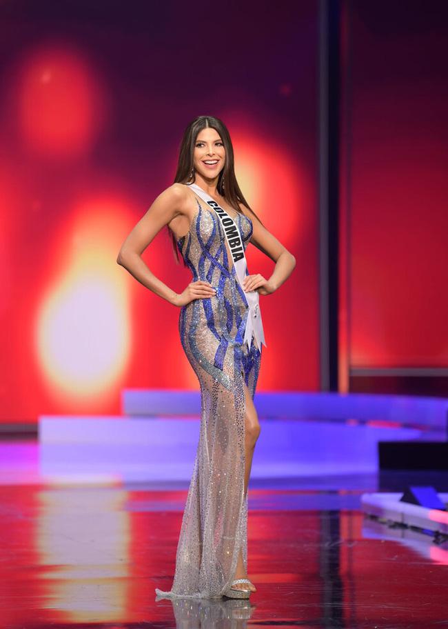 Ngoài Hừng Đông của Khánh Vân, đây là Top 10 bộ đầm dạ hội đẹp nhất Bán kết Miss Universe 2020-7