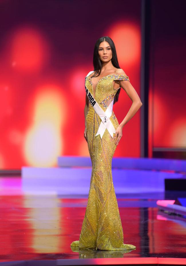 Ngoài Hừng Đông của Khánh Vân, đây là Top 10 bộ đầm dạ hội đẹp nhất Bán kết Miss Universe 2020-8