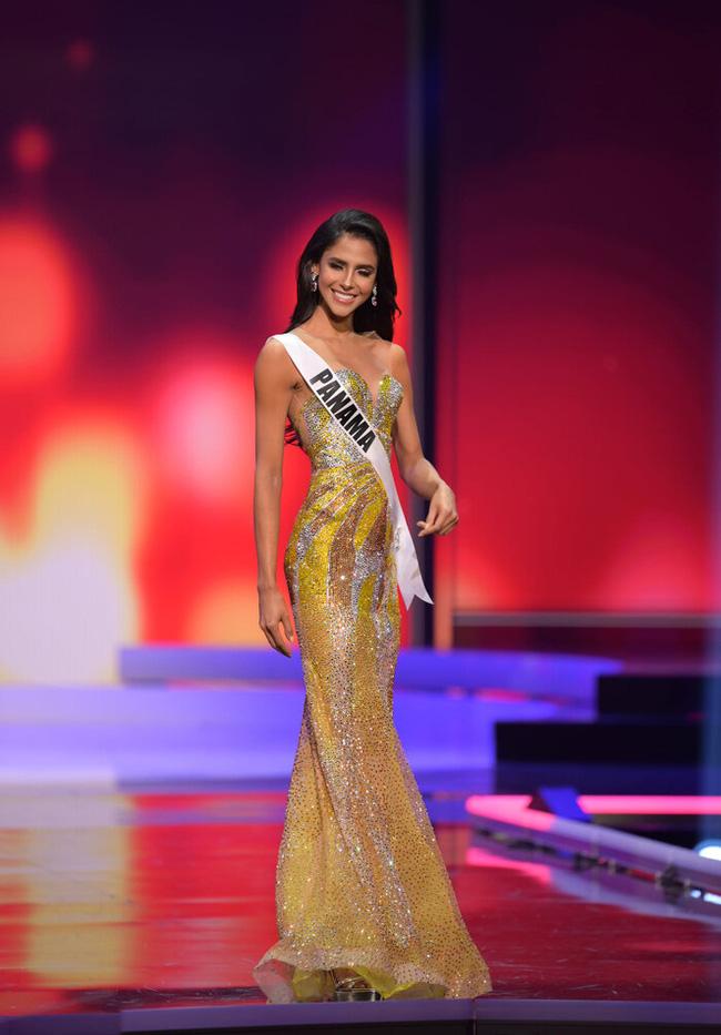Ngoài Hừng Đông của Khánh Vân, đây là Top 10 bộ đầm dạ hội đẹp nhất Bán kết Miss Universe 2020-9