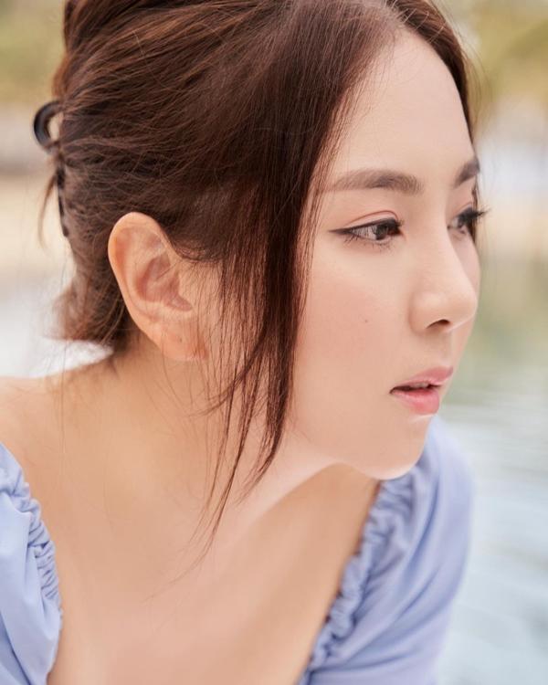 Mãn nhãn với 4 cách buộc tóc của sao Việt: Mùa hè áp dụng thì cực gọn mát, visual còn lên hương-3