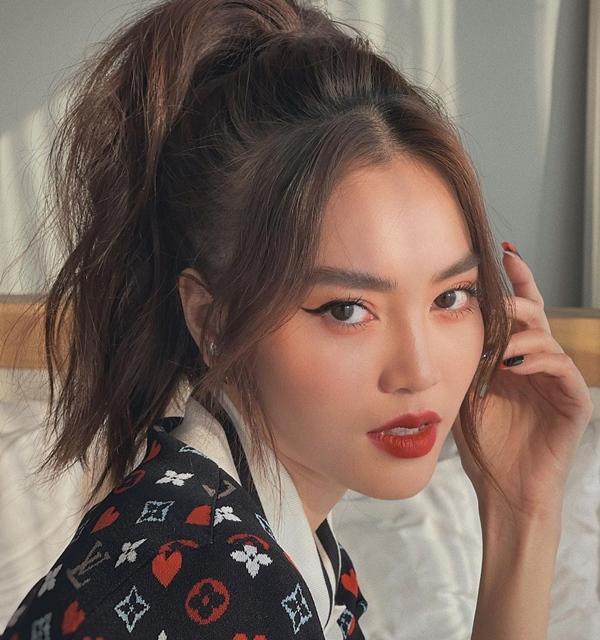 Mãn nhãn với 4 cách buộc tóc của sao Việt: Mùa hè áp dụng thì cực gọn mát, visual còn lên hương-6