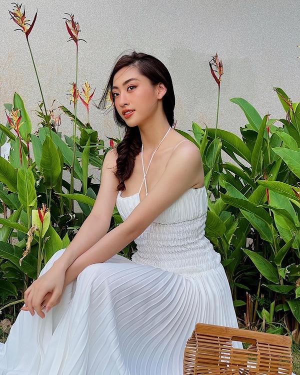 Mãn nhãn với 4 cách buộc tóc của sao Việt: Mùa hè áp dụng thì cực gọn mát, visual còn lên hương-15