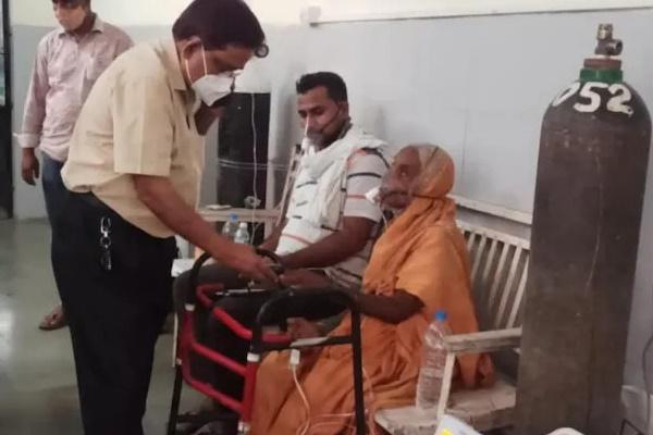 Bệnh nhân mắc Covid-19 tỉnh dậy trước khi hỏa táng ở Ấn Độ-1