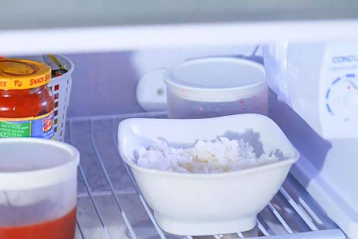 3 cách bảo quản cơm thừa không bị ôi thiu trong mùa hè-2