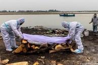 Vì sao nhiều người thả thi thể nạn nhân Covid-19 xuống sông Hằng?
