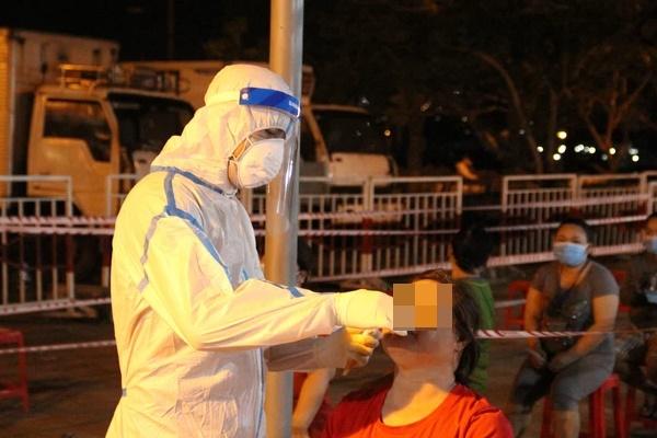 KHẨN: Đà Nẵng tìm người từng đến quán mỳ Quảng có bà chủ dương tính SARS-CoV-2-2