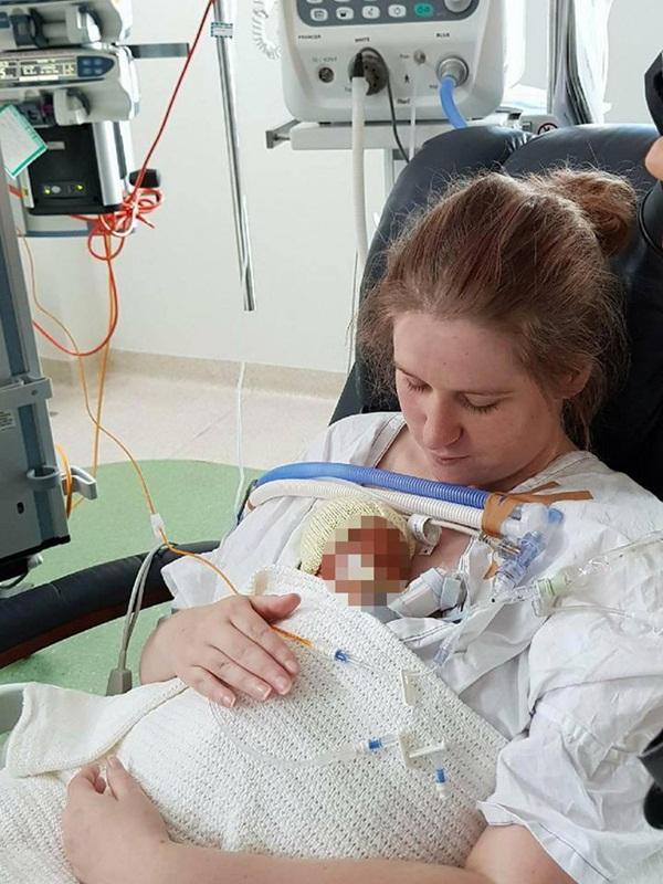 Con trai sinh non lại mắc bệnh hiểm nghèo, bà mẹ không muốn nuôi nên tìm cách trừ khử tàn ác không thể tha thứ-2