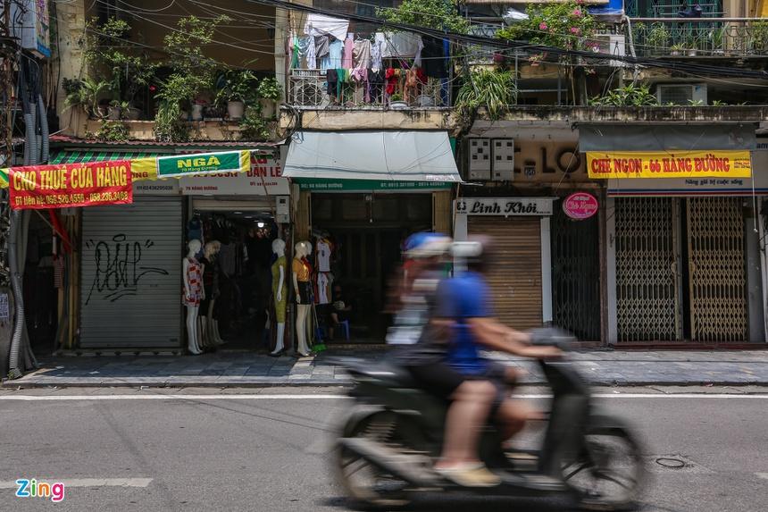 Phố phường Hà Nội vắng vẻ-11