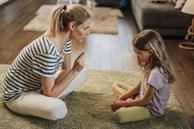 Khi bịmắng mỏ, tại sao trẻ luôn cúi đầu không nói gì? Hóa ra đây là cơ chế tựbảo vệ, cha mẹ đừng kích động mà làmtổn thương con