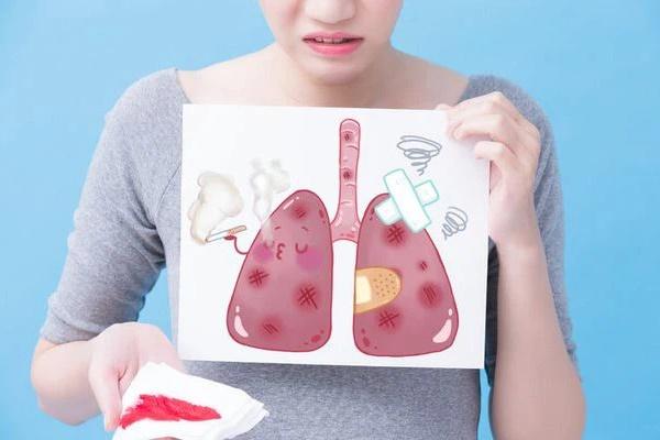 2 vợ chồng cùng mắc ung thư phổi, nguyên nhân chính là do thói quen tai hại của người chồng trước khi đi ngủ-1