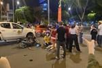 TP.HCM: Giật điện thoại bị cô gái đu vào tay, tên cướp chết ngay tại chỗ sau khi gây tai nạn khiến 2 người khác trọng thương