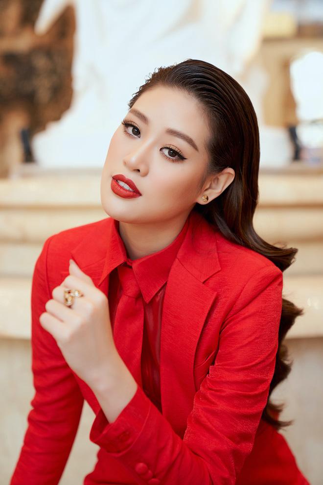 Khánh Vân thông minh thật, ngay từ cách makeup đã thể hiện rất rõ!-3