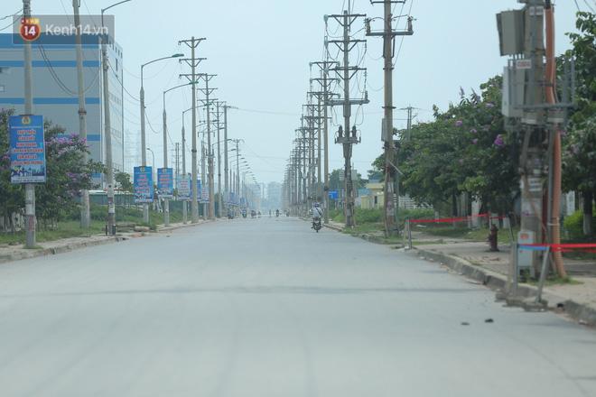 Cận cảnh phong tỏa công ty Hosiden - ổ dịch hơn 200 ca Covid-19 ở Bắc Giang-15